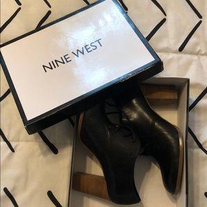 Nine West Joslino black leather lace pump